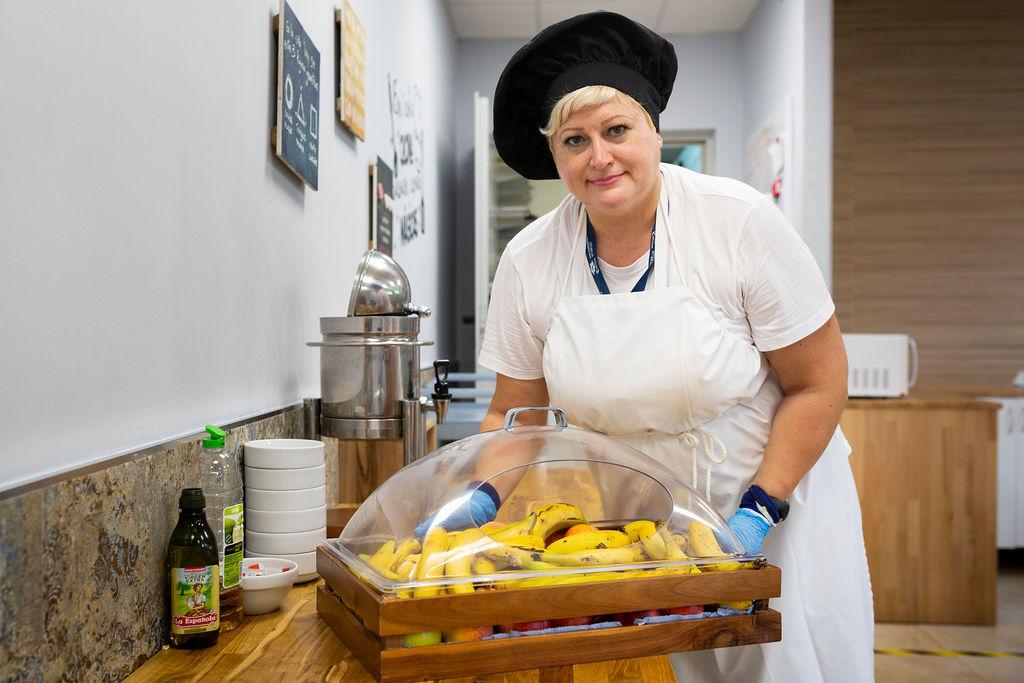 Una de las cocineras de CC Adicciones